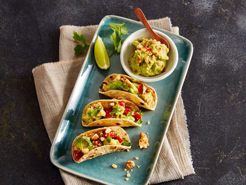 Walnuss-Avocado-Taco mit Paprika (vegetarisch)